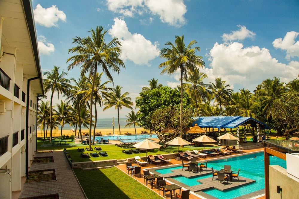 camelot-beach-hotel-negombo